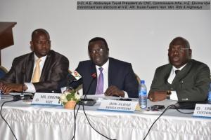G-D, H.E. Abdoulaye Toure President du CNF, Commr. Infra.  H.E. Ebrima Njie prononcant son discours et H.E. Alh. Inusa Fuseini Hon.  Min. Rds & Highways