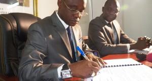 Signature d'un protocole d'accord entre le gouvernement guinéen et la compagnie de Banque Assurance NSIA Guinée pour faciliter le rapatriement des personnes décédées
