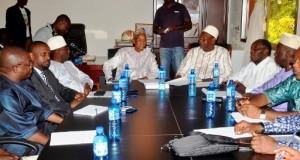 L'opposition en réunion de crise dans l'après-midi