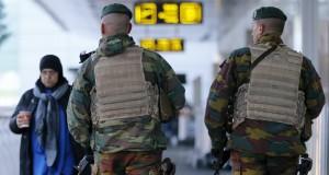 Belgique: niveau d'alerte maximale maintenu à Bruxelles, le métro et les écoles resteront fermés lundi (Premier ministre)