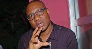 Le Président Alpha Condé reçoit l'artiste Sékouba Bambino