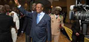 President-Conde-meeting-communaute-guineenne-US-17-avril-2015-630x300