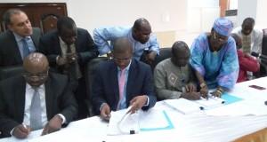 Mines: Les autorités guinéennes signent la convention de base révisée de la SAG