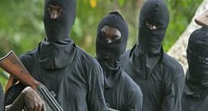 MAMOU: Plus de dix millions Gnf, 2 millions de dollars libériens et 14 téléphones emportés par des coupeurs de route